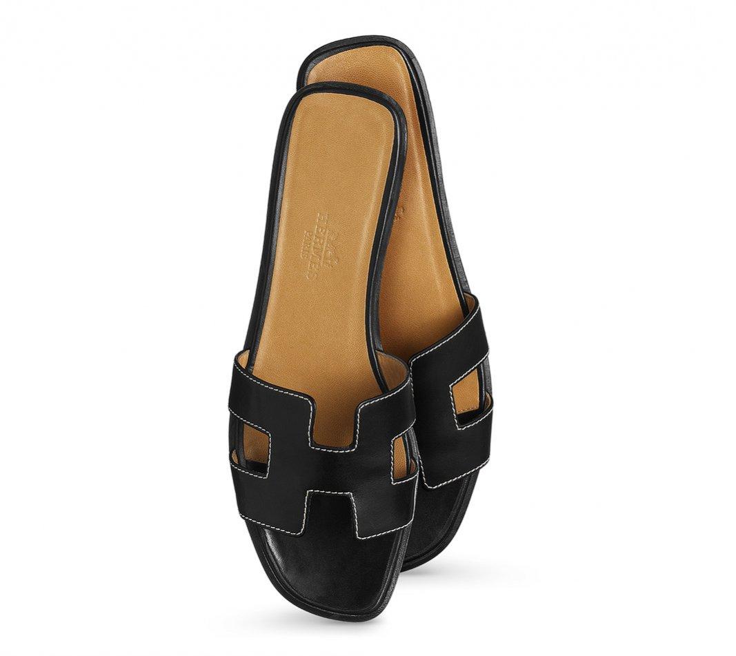 Czarne klapki, Hermes, ok. 470 euro