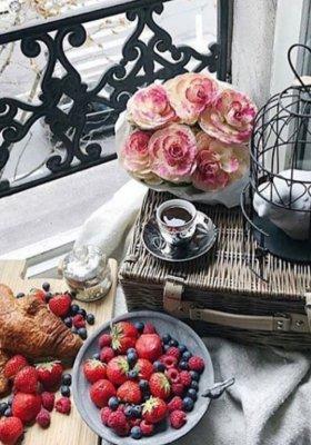 WALENTYNKI: NAJLEPSZE POMYSŁY NA ROMANTYCZNE ŚNIADANIE