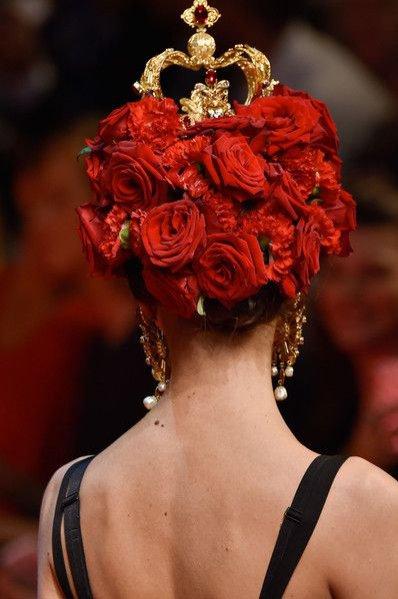 Bukiet kwiatów na pokazie Dolce & Gabbana