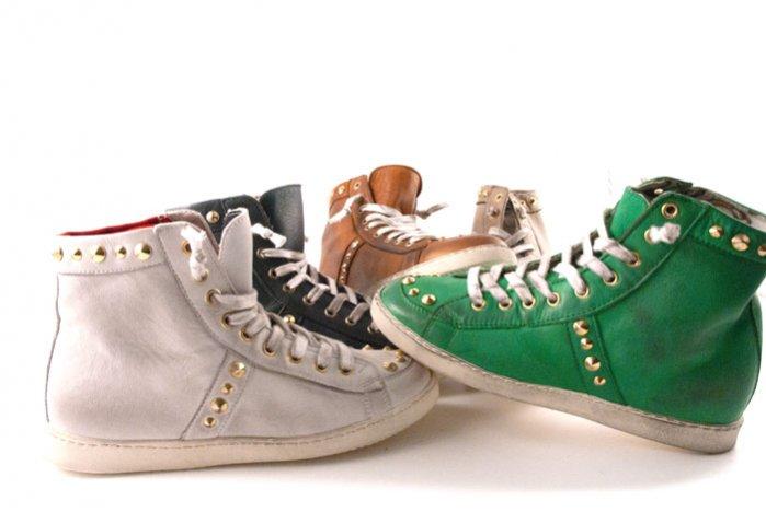 Kolekcja butów wiosna lato 2012 zaprojektowana przez Charię Farragni/The Blond Salad