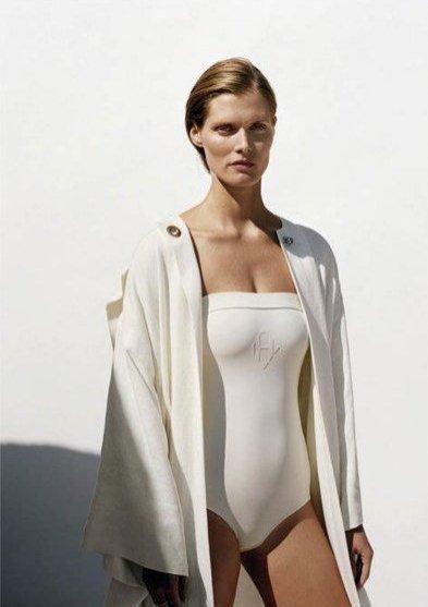 Małgosia Bela twarzą kampanii Hermes Origami Swimwear na sezon wiosna lato 2012