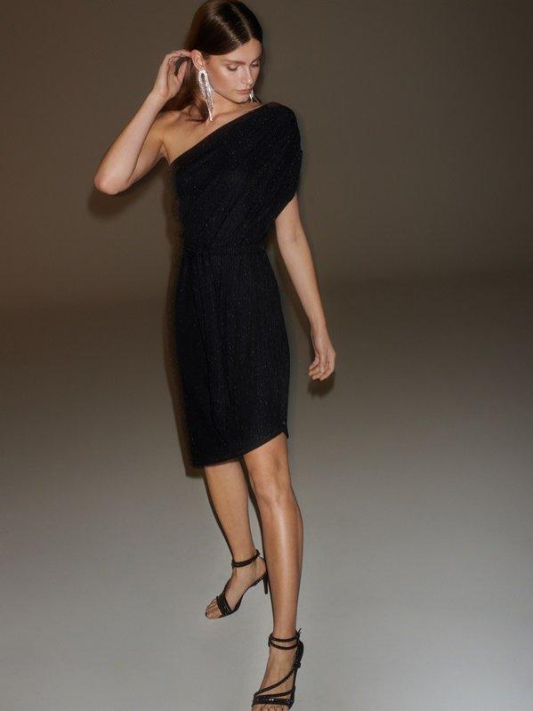 Błyszcząca sukienka z asymetryczną górą, Reserved x Vogue, 139 pln