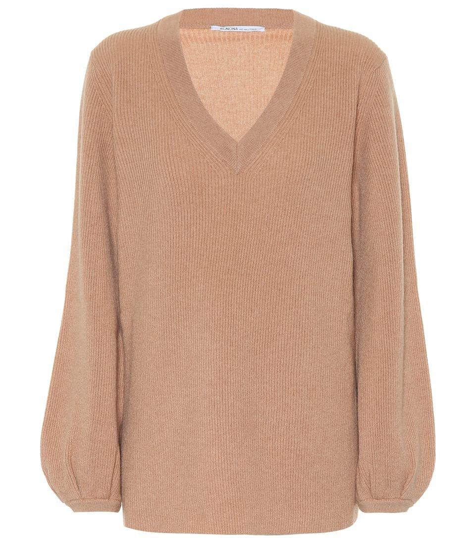 Beżowy sweter z dekoltem V, Agnona/Mytheresa, 1100 eur (sylwetka odwróconego trójkąta)