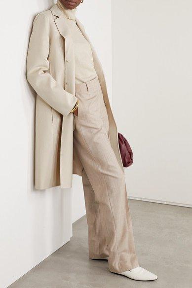 Jasny płaszcz z wełny, Akris/Net-a-Porter, 2840 funtów