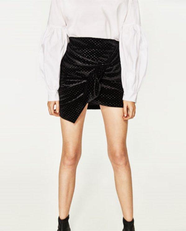 Aksamitna spódnica mini, Zara, 39 pln