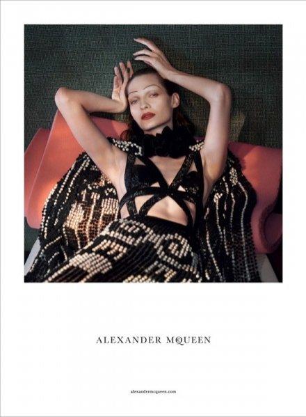 1. Alexander McQueen - kampania wiosna lato 2015
