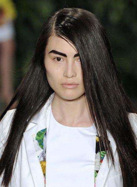 Trendy w makijażu na sezon wiosna lato 2012 - Altuzarra