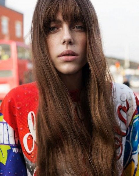 1. Amelia Roman w sesji dla Oyster Magazine