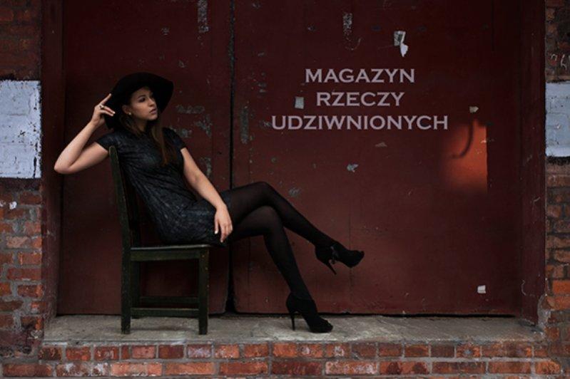 """1. Ania Bałon w sesji """"Magazyn Rzeczy Udziwnionych"""