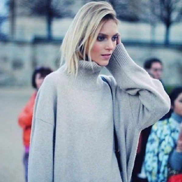 1. Anja Rubik podczas Paris Fashion Week