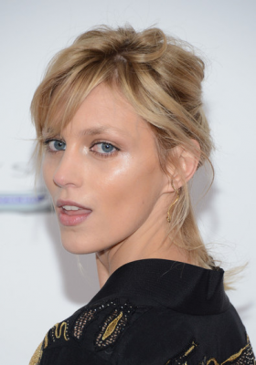 ANJA RUBIK NA PREMIERZE FILMU PLAYING FOR KEEPS