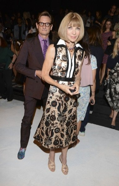 Anna Wintour w kreacji Louis Vuitton podczas New York Fashion Week SS15