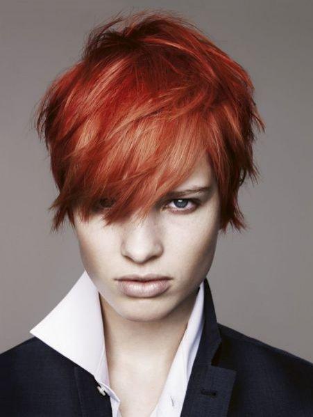 Kolekcja fryzur Essential Looks 2:2011