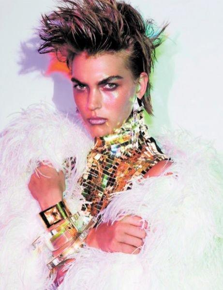 Arizona Muse w sesji More than a women w Vogue Paris