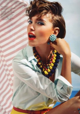 TOP MODELKA ARIZONA MUSE NA WAKACJACH – SESJA W VOGUE UK