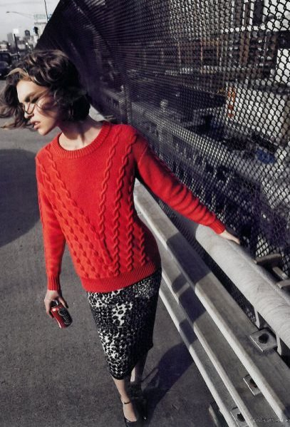Arizona Muse w sesji Midi Town dla Vogue UK