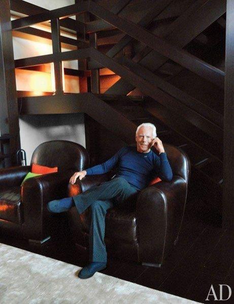 1. Giorgio Armani w swojej posiadłości w Szwajcarii