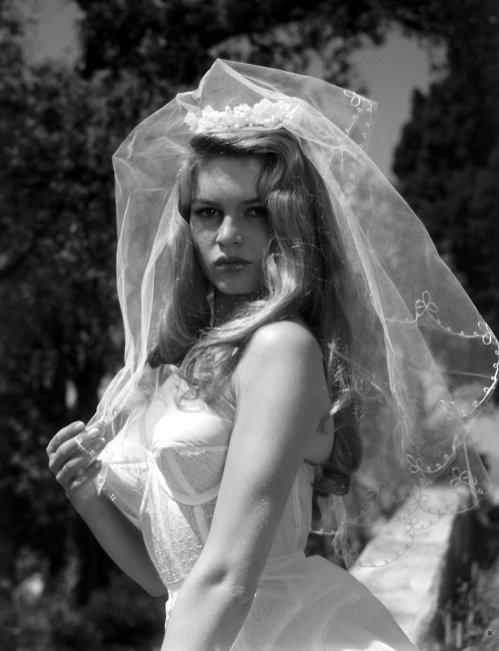 Brigitte Bardot w welonie w latach 50.