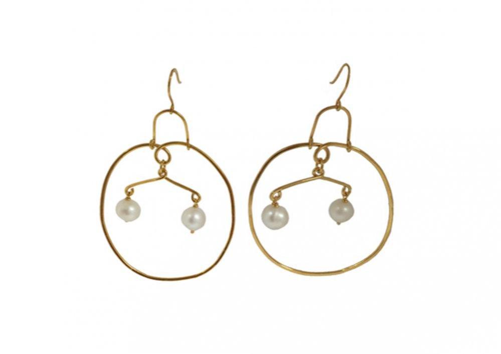 Kolczyki pozłacane 22 karatowym złotem z perłą słodkowodną, Becca Jewellery, 1130 pln - KUP TERAZ