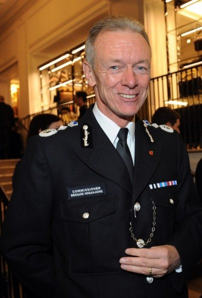 Bernard Hogan-Howe na imprezie London Evening Standard w Burberry