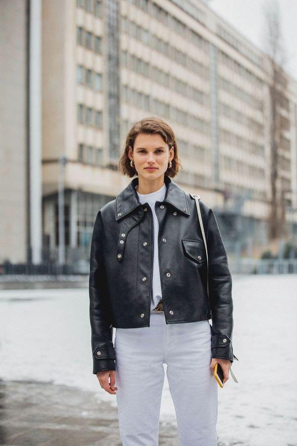 Trendy na wiosnę 2018 (street fashion) - białe jeansy