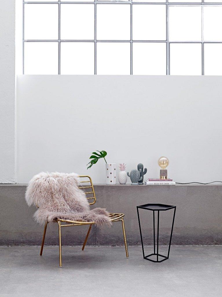 Malabelle - inspiracje w aranżacji wnętrz - krzesło i stolik