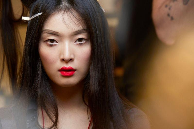 1. Makijaż z pokazu Chanel Cruise 2016 w Seulu