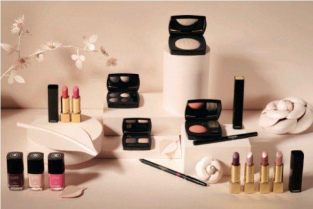 Wiosenna kampania kosmetyków do makijażu Chanel
