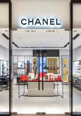 CHANEL FRAGRANCE & BEAUTY BOUTIQUE W WARSZAWIE