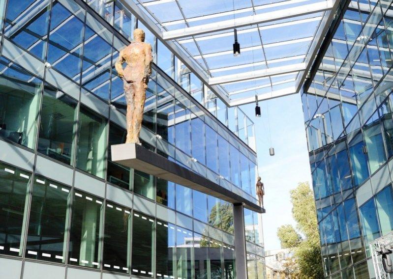 1. Otwarcie patio budynku Cosmopolitan ul. Twarda 4 w Warszawie