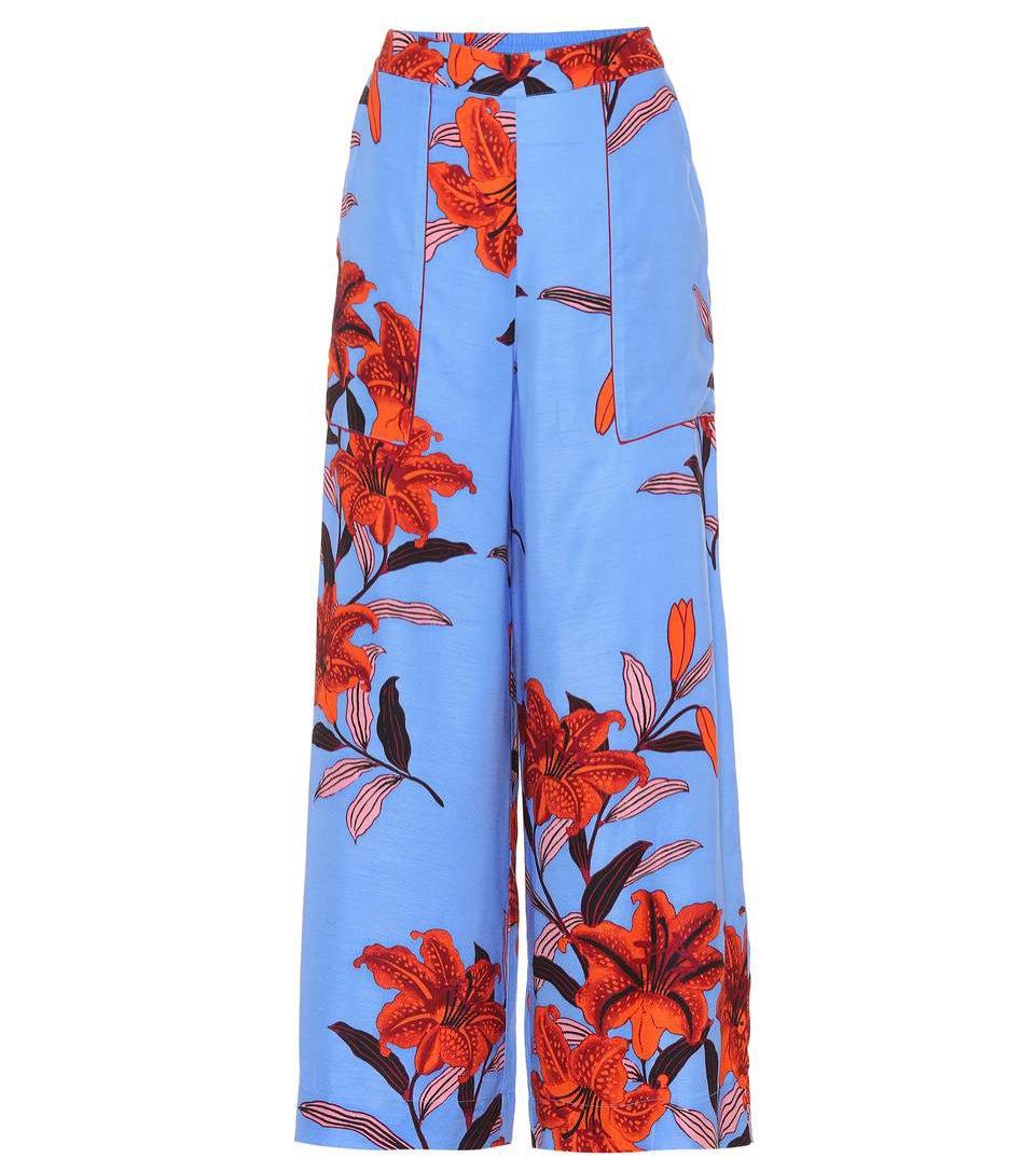Niebieskie spodnie we wzory, Diane von Furstenberg, 285 euro