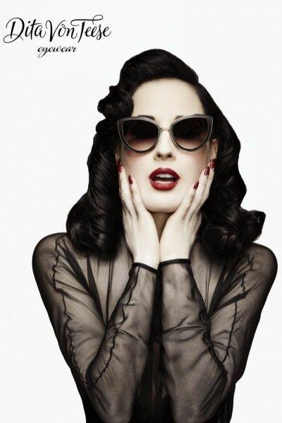 1. Dita Von Teese zaprojektowała własną linię okularów dla marki Dita Inc.