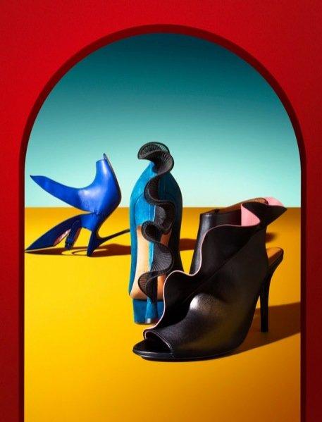 Dodatki Kenzo, Prada, Louis Vuitton, Hermes, Fendi w V magazine