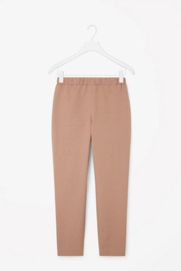 Dopasowane spodnie z dzianiny, COS, ok. 150 PLN