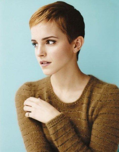 1. Bitwa na włosy - krótka fryzura Emmy Watson
