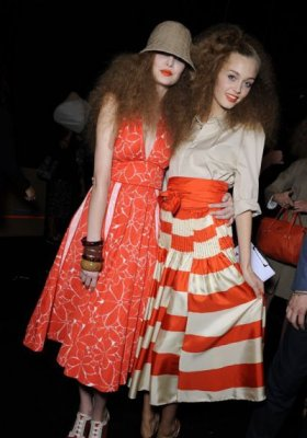 BACKSTAGE POKAZU MARC BY MARC JACOBS NA SEZON WIOSNA-LATO 2011