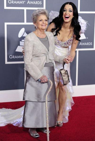Kate Perry ze swoją babcią