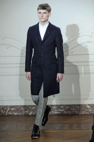 Pokaz męskiej kolekcji Yves Saint Laurent jesień zima 2011