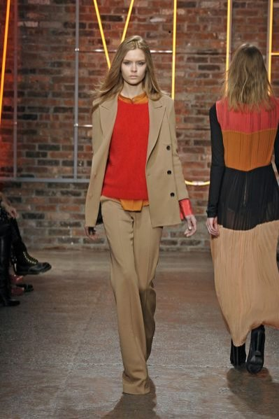 Trendy jesień zima 2011 - męski szyk na pokazie DKNY