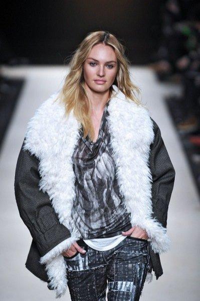 Candice Swanepoel na pokazie Isabel Marant jesień zima 2011/12