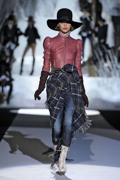 Pokaz damskiej kolekcji Dsqaured2 jesień zima 2011