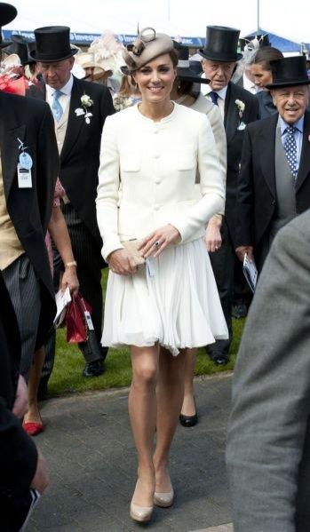 Kate Middleton podczas wyścigów konnych