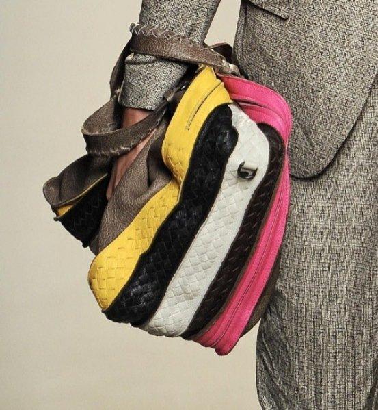 Dodatki w modzie męskiej wiosna lato 2012 - torba Bottega Veneta