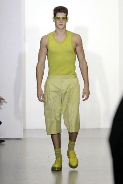 trendy w modzie męskiej - mięta u Calvin Klein wiosna lato 2012