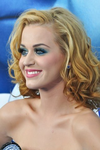 Katy Perry na premierze filmu Smerfy