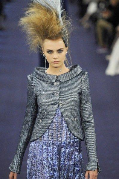 Cara Delevingne na pokazie Chanel haute couture wiosna lato 2012