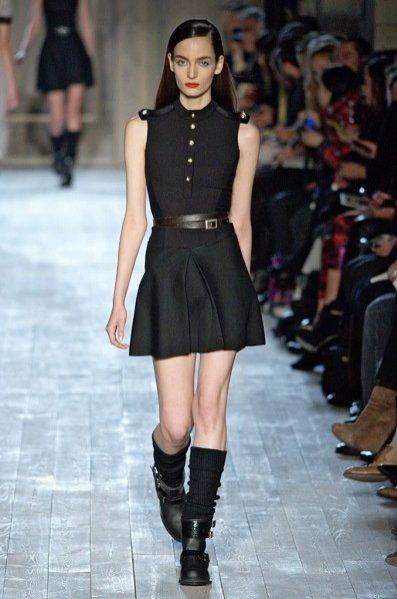 Kolejne pokolenie polskich top modelek - Zuza Bijoch na pokazie Victoria Beckham