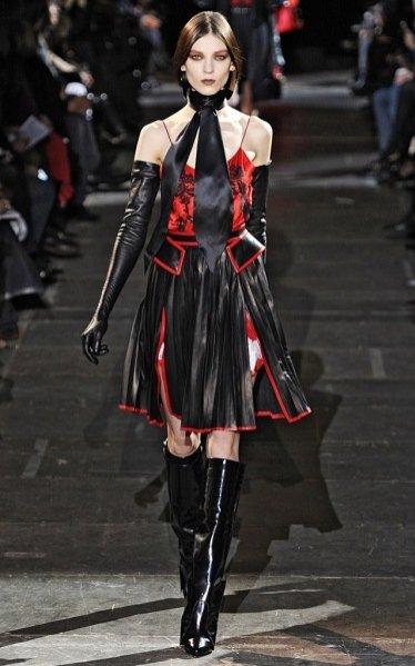Pokaz kolekcji Givenchy jesień zima 2012/13