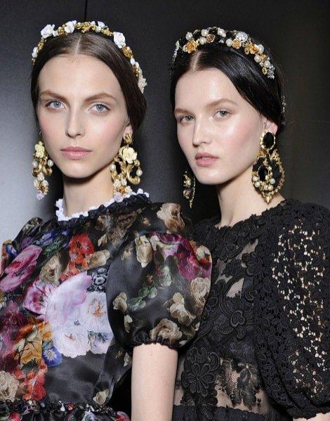 Uroda - fryzury i makijaż modelek na pokazie Dolce&Gabbana jesień zima 2012/13