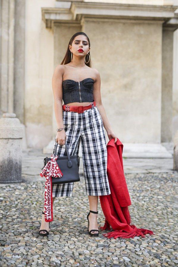 Kraciaste ubrania - moda uliczna